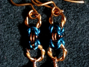 Copper and enameled copper Byzantien earrings with freshwater pearl