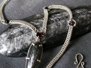 Sterling silver, Garnet, Black Onyx, and Orthoceras Half Persian 4in1 necklace